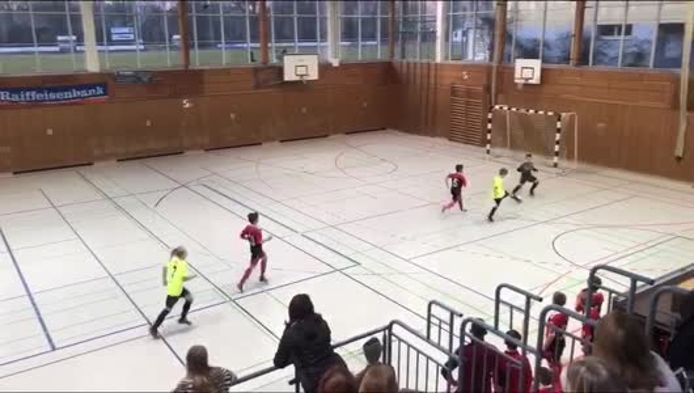 Hellwacher Keeper beim Futsal