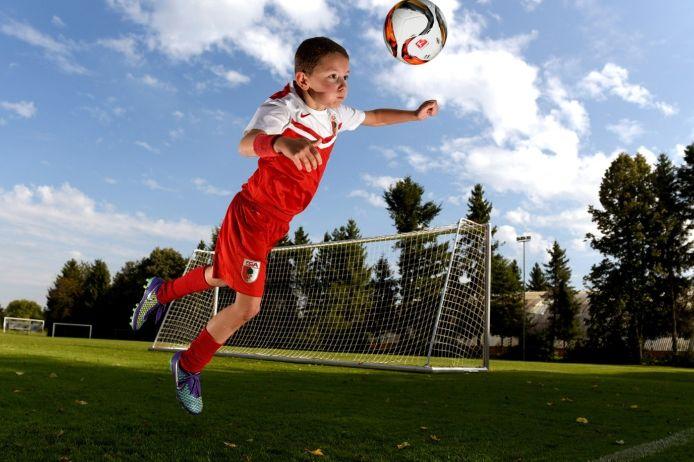 Britische Fußballverbände wollen Kopfballtraining im Jugendfußball unterbinden