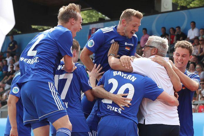 Jubel über den Führungstreffer beim UEFA Regions Cup gegen Slowakei