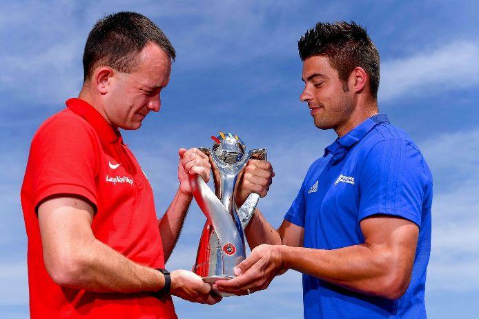 Michael Kraus legt am Tag vor dem Finale schon einmal Hand an den UEFA Regions Cup