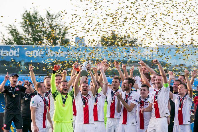 Polen holt in Burghausen den UEFA Regions Cup-Pokal