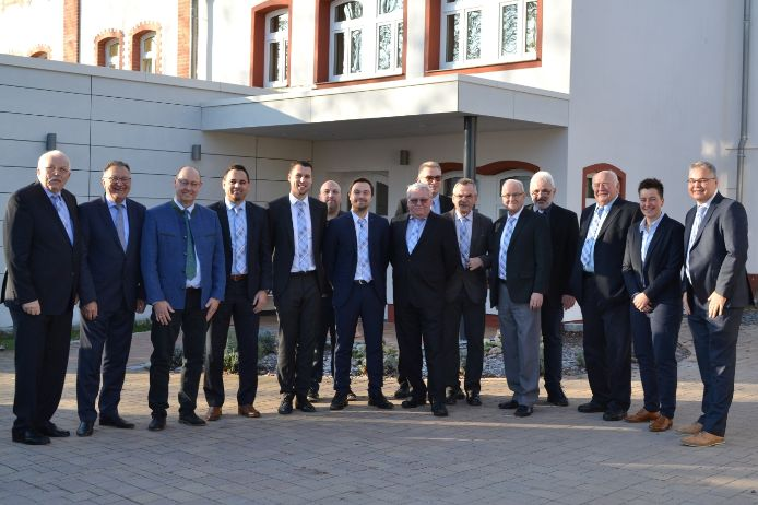 Die Mitarbeiter und Ehrenmitglieder des Bezirksausschusses Oberfranken auf einen Blick