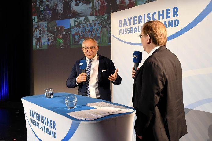 Felix Magath im Gespräch mit BFV-Präsident Rainer Koch.