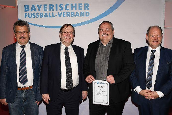 Ausgezeichnet: (von links) JosefJanker, RainerKoch, BerndReitstetter und JürgenFaltenbacher.