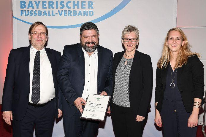 Ausgezeichnet: (von links) Rainer Koch, Bernd Schreiber, Silke Raml und Sandra Hofmann.