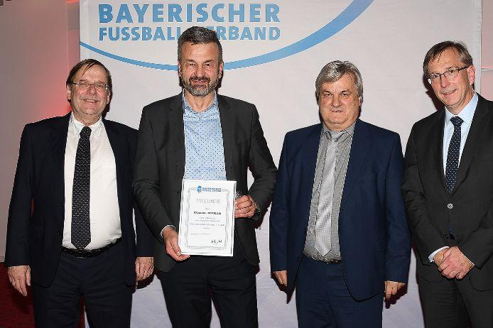 Ausgezeichnet: (von links) Rainer Koch, Emanuel Beierlein, Reinhold Baier und Oskar Riedmeyer.