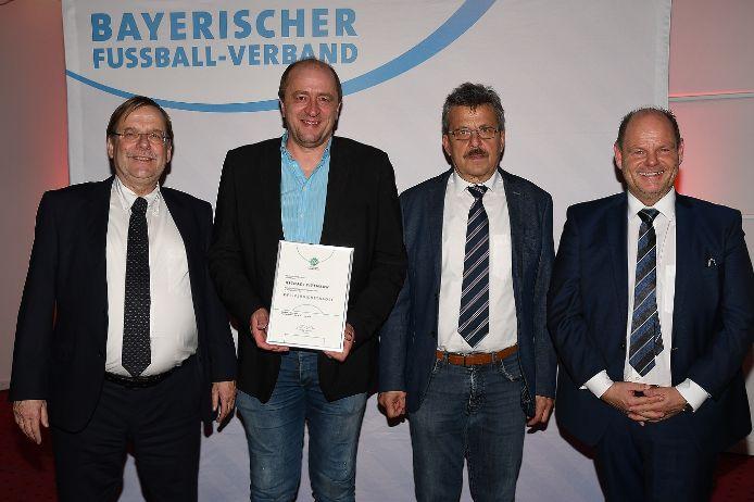 Ausgezeichnet: (von links) Rainer Koch, Michael Tittmann, Josef Janker und Jürgen Faltenbacher.