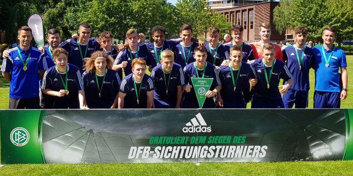 Beim DFB-Länderpokal siegreiche BFV-Auswahl