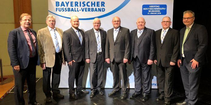 Der Kreisausschuss Hof/Tirschenreuth/Wunsiedel mit BV Thomas Unger und Präsident Dr. Rainer Koch beim Kreistag 2018 in Selb