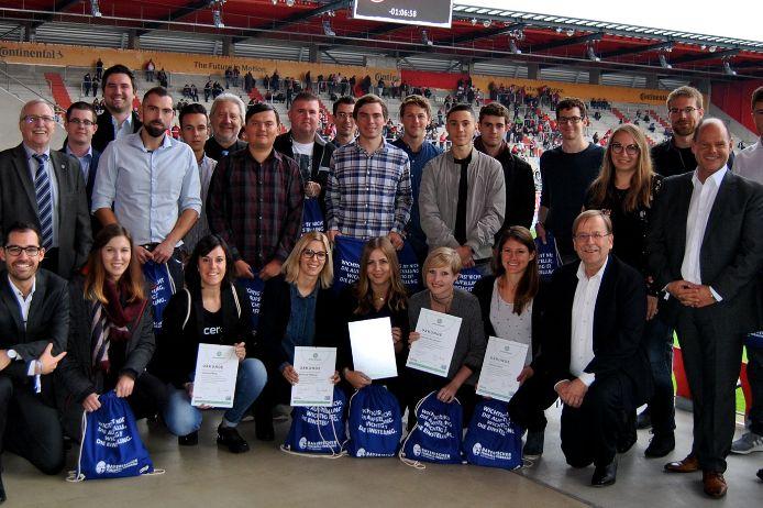 Gruppenfoto Junger Ehrenamtspreis