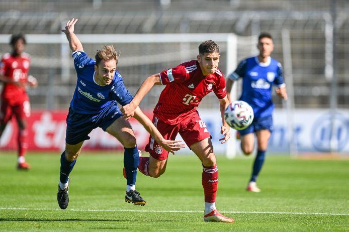 Nemanja Motika (FC Bayern München II) im Spiel gegen TSV Rain/Lech.