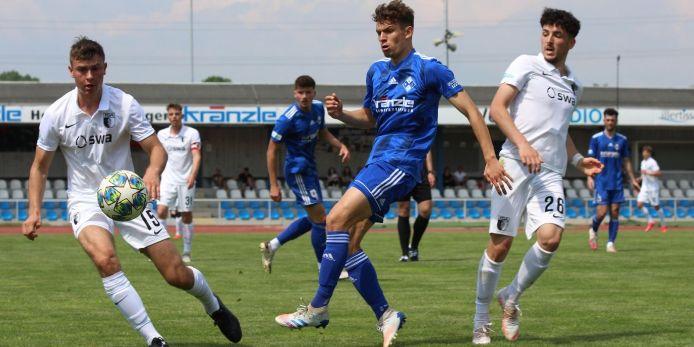 Spielszene FV Illertissen - FC Augsburg II