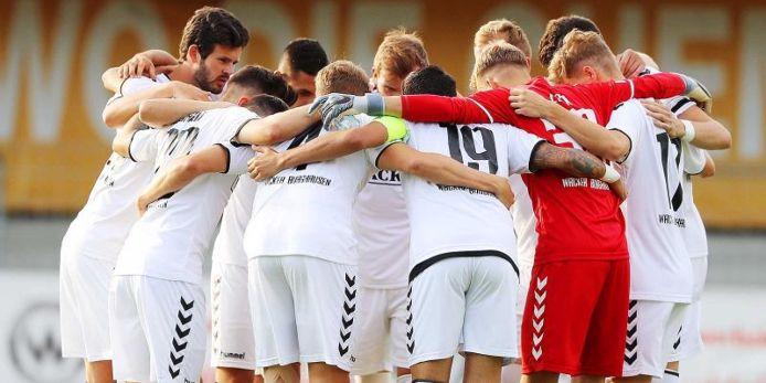Das Team des SV Wacker Burghausen wartet nach der 0:1-Heimniederlage gegen den Aufsteiger TSV Rain/Lech weiter auf den ersten Punktgewinn.