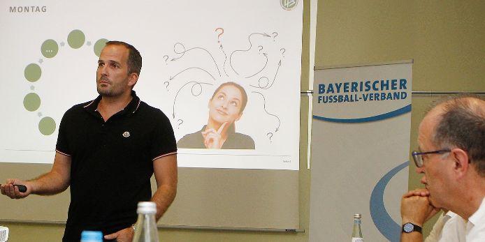 Manuel Baum referierte beim NLZ-Kick-Off 2019 in Nürnberg