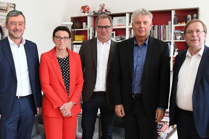 Gruppenfoto Aktionsplan 5Plus München mit Reiter, Koch, Schraudner, Slawinski und Zurek