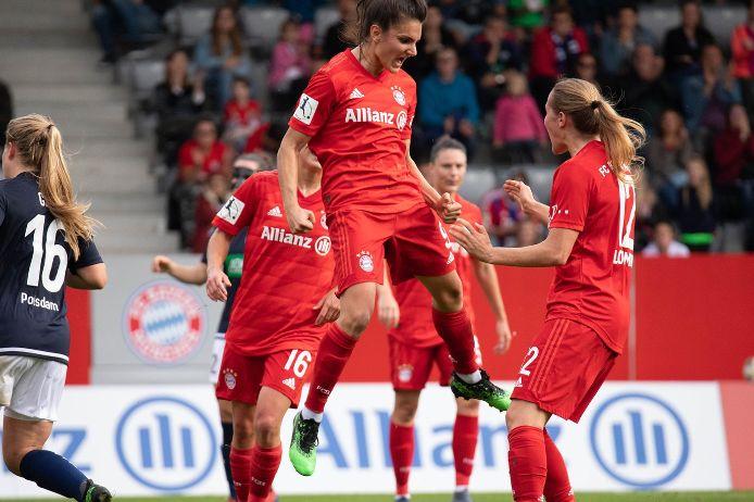 Jubelszene der FC Bayern-Frauen in der Saison 2019/20.