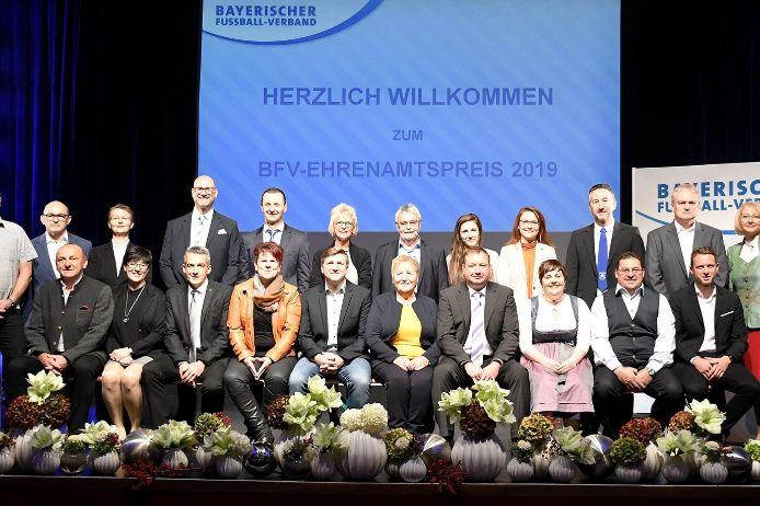 Die 22 Ehrenamts-Preisträger 2019.