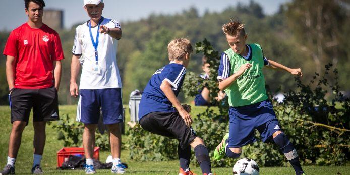 Spielszene aus einem Training bei den Feriencamps des Bayerischen Fußball-Verbandes (BFV).
