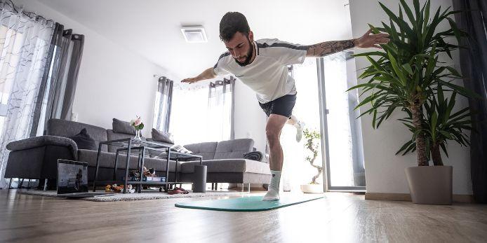 Marco Richter beim Home-Workout während der Corona-Pandemie 2020.