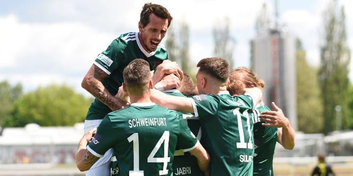 Jubel des 1. FC Schweinfurt 05 in der Play-off-Partie gegen die SpVgg Bayreuth.