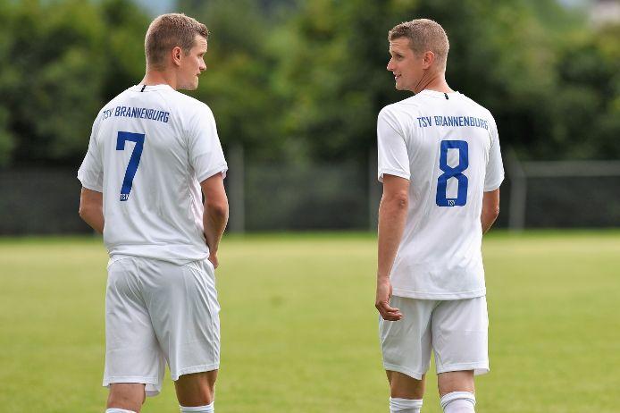 Lars und Sven Bender im Trikot des TSV Brannenburg.
